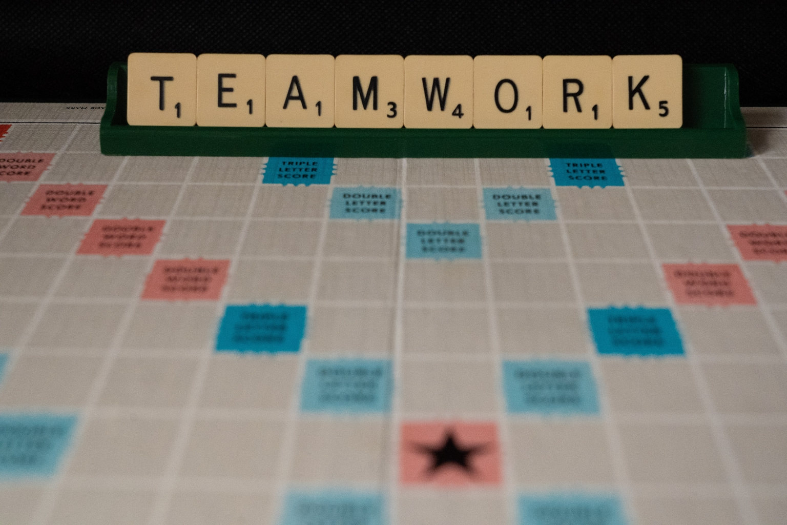 Team Building vs Team Bonding: What's the Difference?